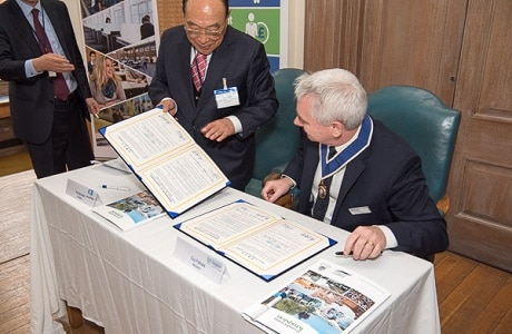 Signing of the Memorandum of Understanding with Korean Jinju Chamber